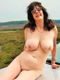 Visit Carole - Outdoor and Naked.